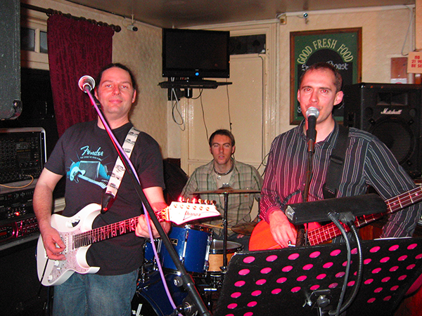 Covers band in Kent